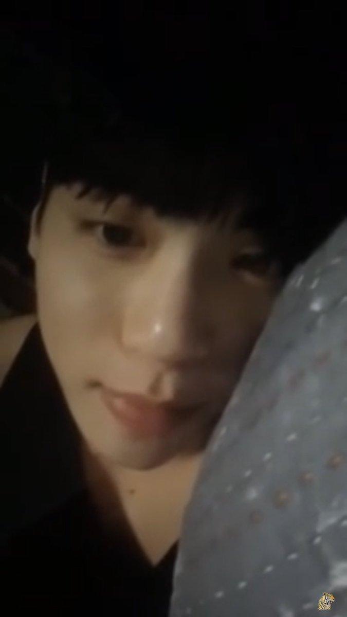"RT @RIPJH2: 140617 푸른밤 종현입니다  (졸리단 문자에)  ""잘자요 ㅎㅅㅎ""  (목소리 듣기좋네요 그걸로..."