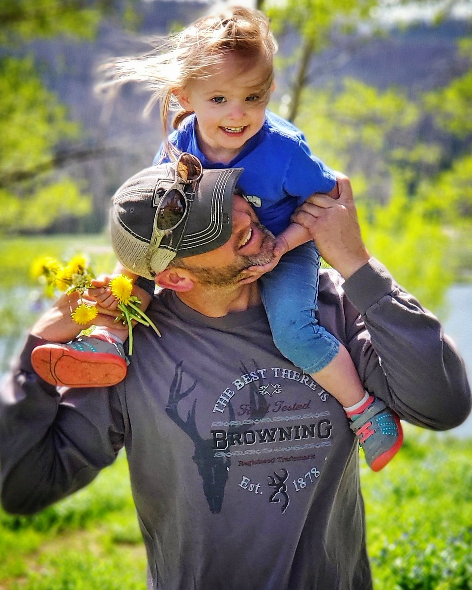 RT @BrowningArms: Happy Father's Day. Thanks for sharing the outdoors with your children. #happyfathersday https://t.co/ZH3LBAtS1m