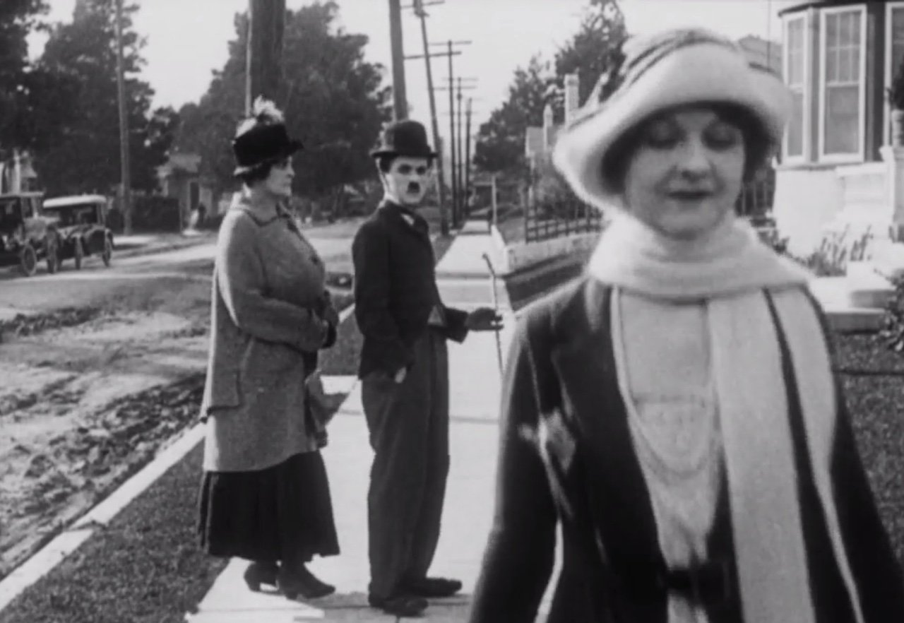 Charlie Chaplin invented the 'distracted boyfriend' meme back in 1922 https://t.co/bG11kj6kPg https://t.co/6DSbQwm2ER