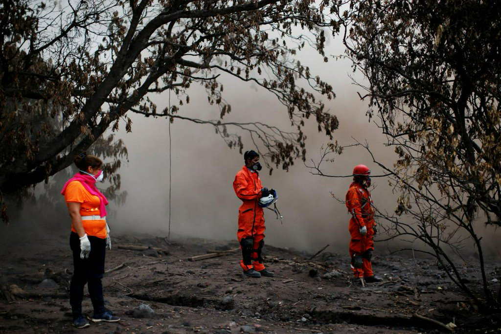 Guatemala ends victim searches at volcano where 110 died https://t.co/HlG5eRiC1D https://t.co/5nMUVrg0M4