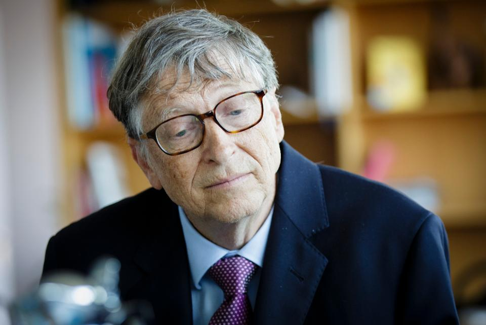 Bill Gates is giving a book to all U.S. college graduates https://t.co/Qi2OvnA4tv https://t.co/mJedQMYf7S