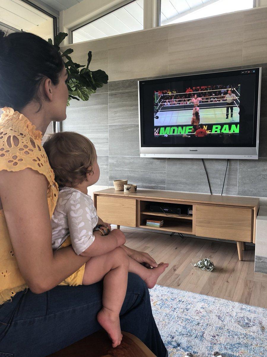 #WWEMITB