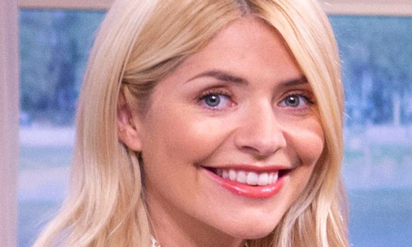 Holly Willoughby's stunning pink Debenhams skirt has a surprising royal connection! ?