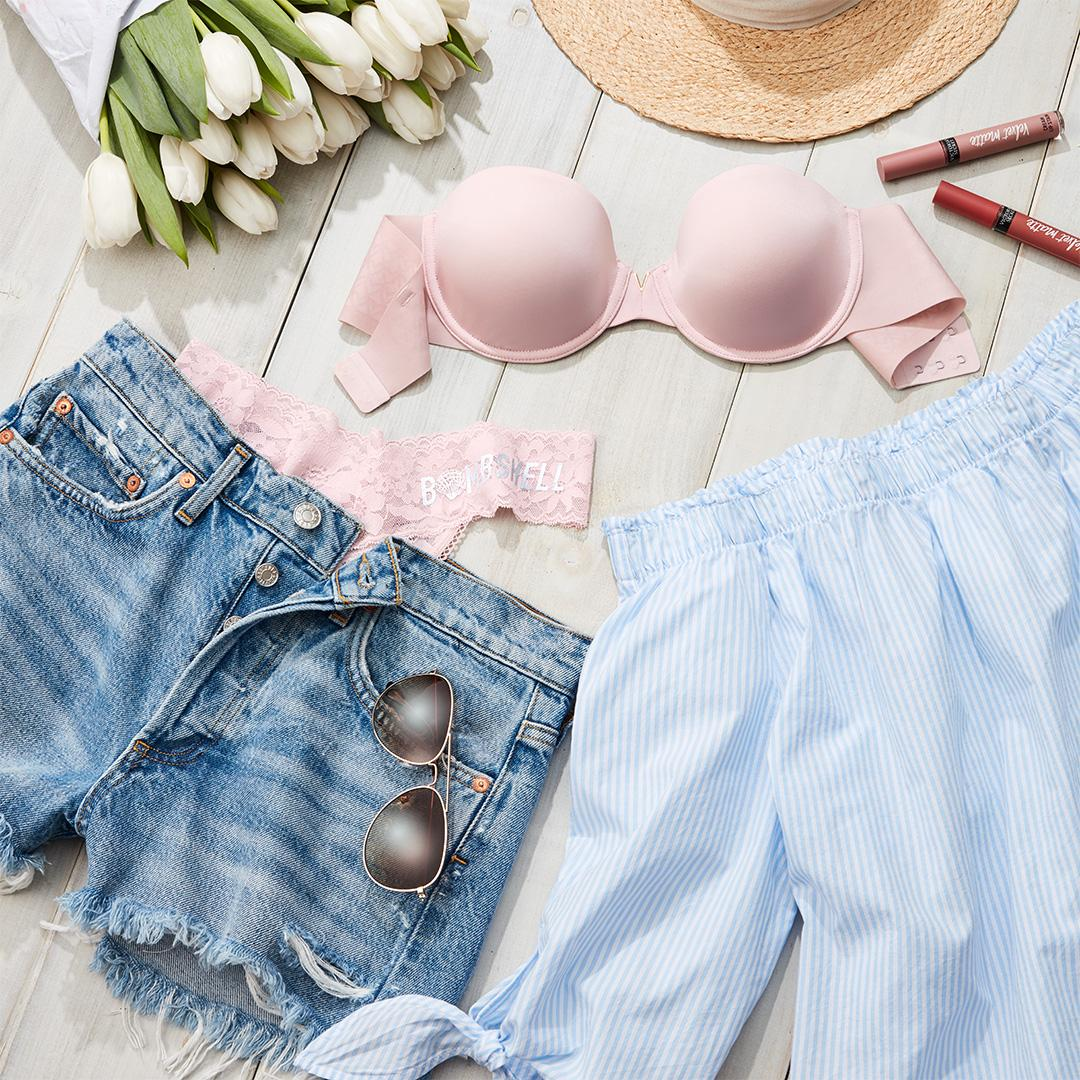 Forecast: mostly sunny with a 100% chance of going strapless. https://t.co/tcC32v6lZ2 #ootd https://t.co/2w3Jyi48XB