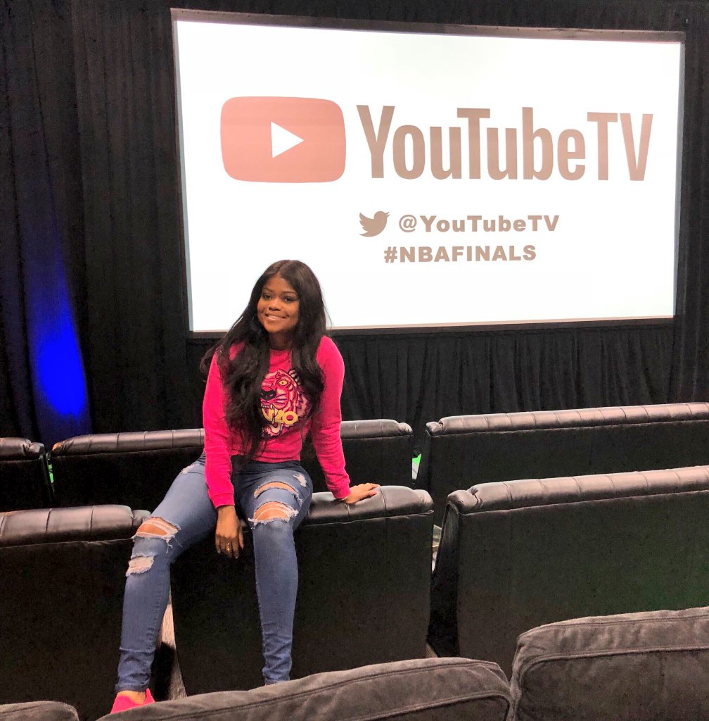 RT @KarenCivil: Now this is how you watch a basketball game with @SnoopDogg on @YouTubeTV #YTSponsored https://t.co/zyfB25nw1D