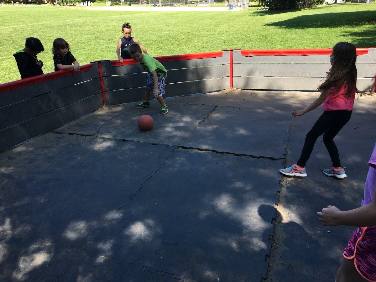 test Twitter Media - fun times playing gaga ball with these peeps - i'll be practicing the summer! #d30learns https://t.co/scguBgTb0a