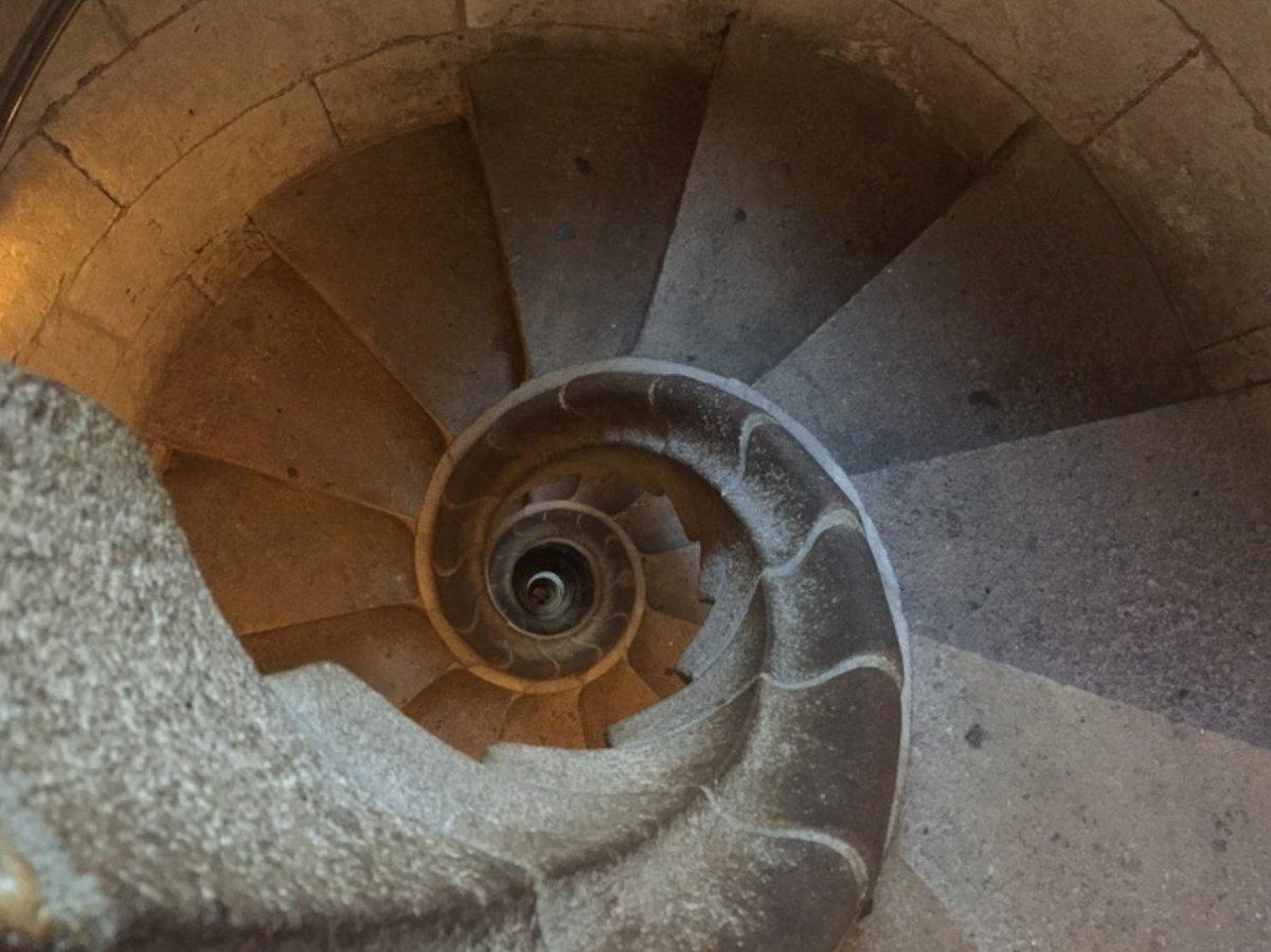 Take a photo of some interesting stairs near you: https://t.co/ep0v7DofDu https://t.co/QheRmWCIu6