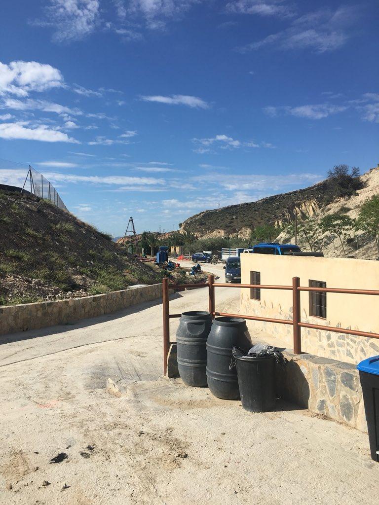 RT @Master_Presas: Hoy estamos en la balsa de los Suizos (Albatera). Está en construcción. @Master_Presas @SPANCOLD https://t.co/5o74rvy56i