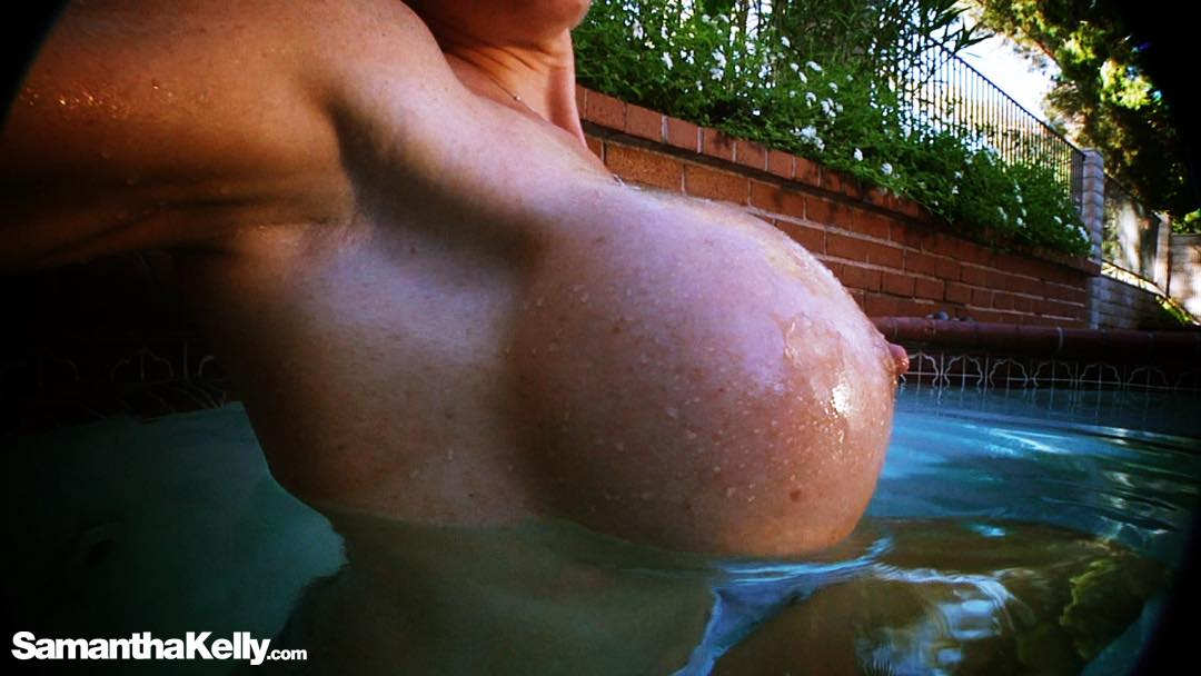 """New video is now live, just in time for Fri-yay! 🍉🍉💙""""Hot Tub Titty Projection"""" XIIJjqBR8E"""