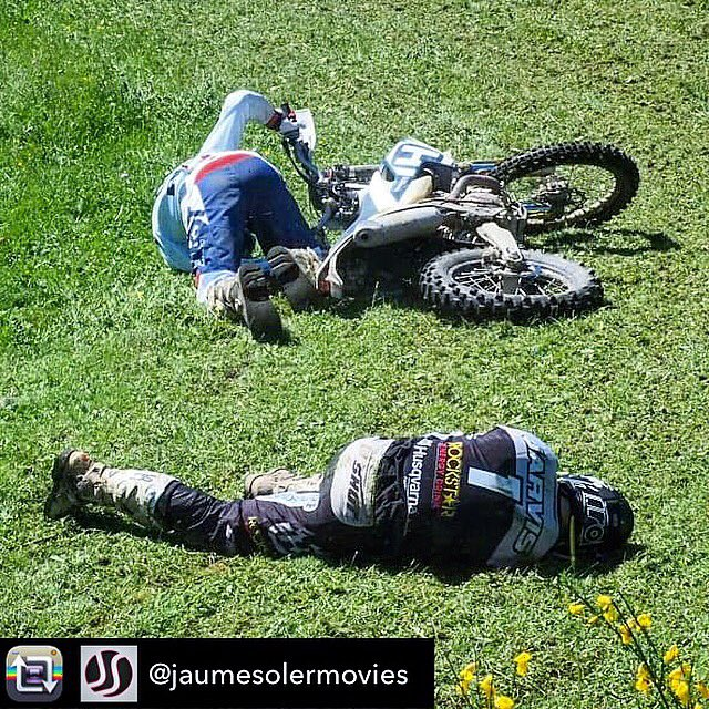 Having an old man nap! 😂. @Husqvarna1903 @rockstarenergy @ShotRaceGear @AirohHelmet @fmf73 #rockstarhusky https://t.co/7WyQojPBbQ