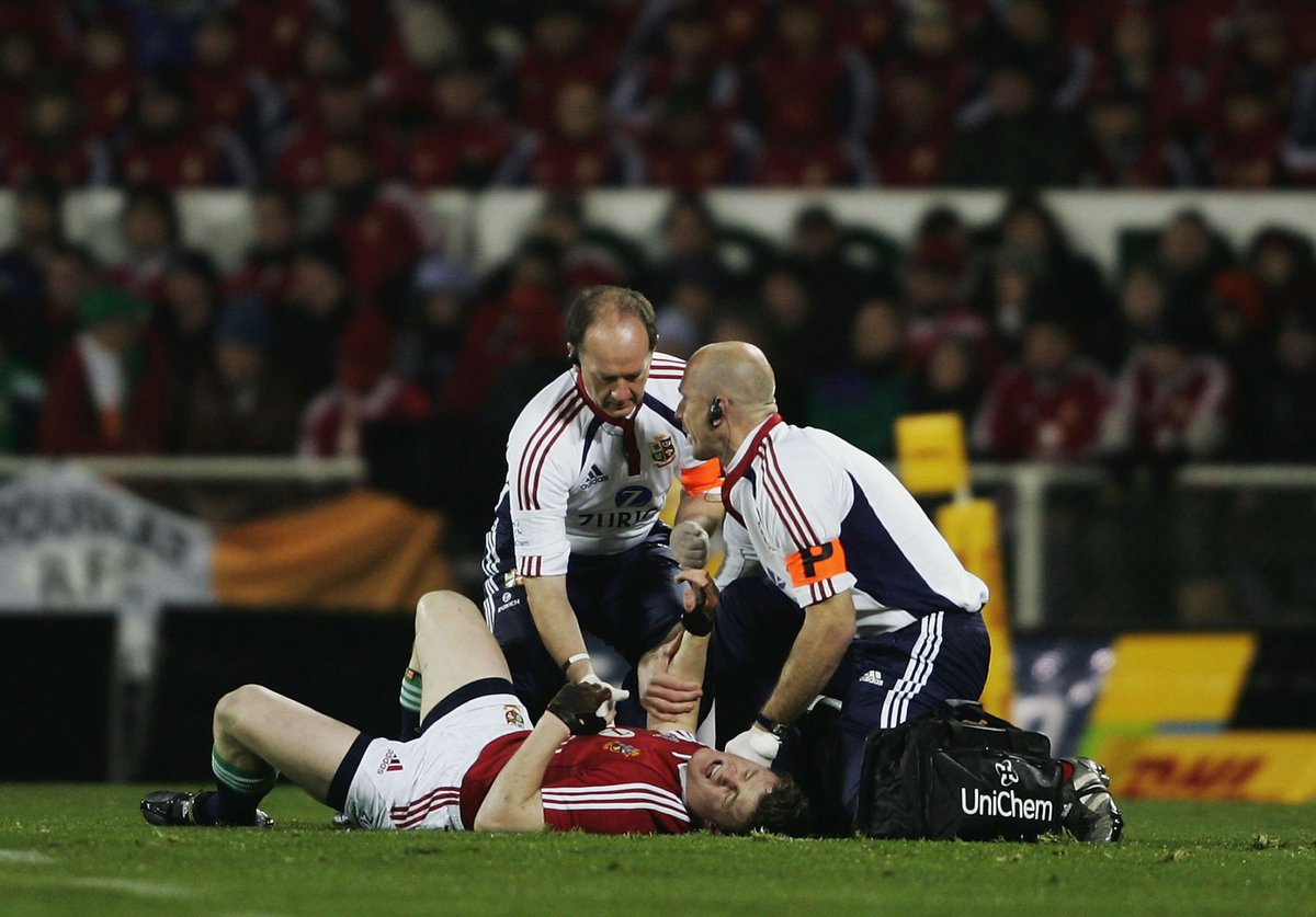 test Twitter Media - On this day in 2005... Lions captain Brian O'Driscoll was injured less than two minutes into the first test vs New Zealand by Tana Umaga and Keven Mealamu's dangerous tandem spear-tackle. https://t.co/9ArodpD75o