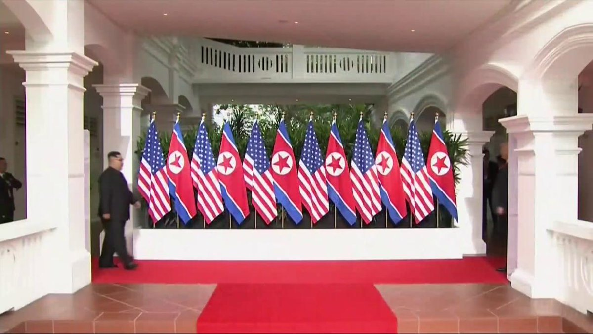 RT @StateDept: .@POTUS Donald J. Trump meets North Korean leader Kim Jong Un in Singapore. #SingaporeSummit https://t.co/CWhiLO4dAa