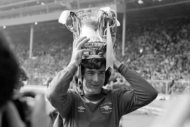 327 appearances 107 clean sheets 7 years with us  Happy 73rd birthday, Pat Jennings