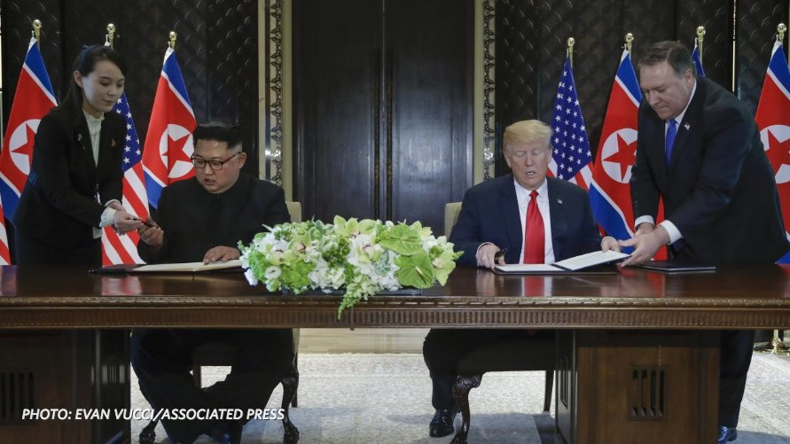 Photos: Trump and Kim in Singapore for U.S.-North Korea summit https://t.co/lfRRUiFF9f #TrumpKimSummit https://t.co/dyKvpIMAr0