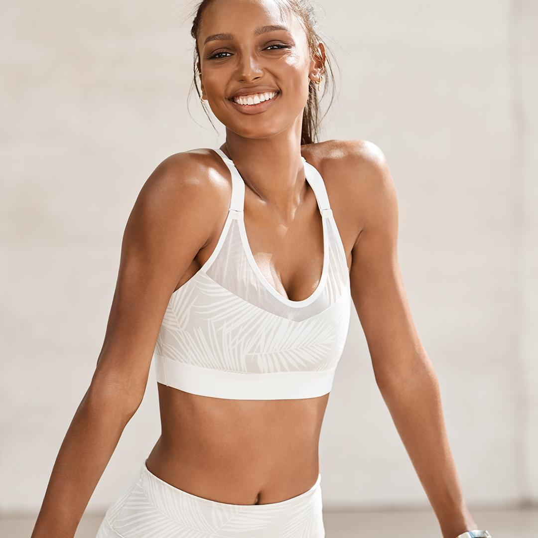 We bring the perfect light support sport bra. You bring that perfect post-yoga glow ✨ https://t.co/tYxiy9Pexl https://t.co/cXtA40NteK