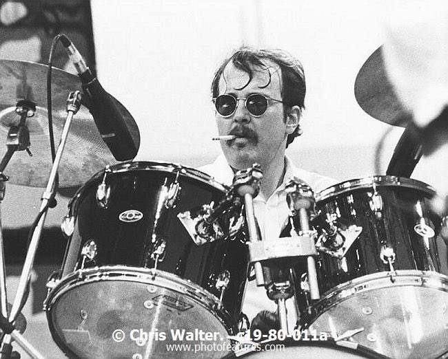 A very happy birthday to the one & only Bun E. Carlos!!!