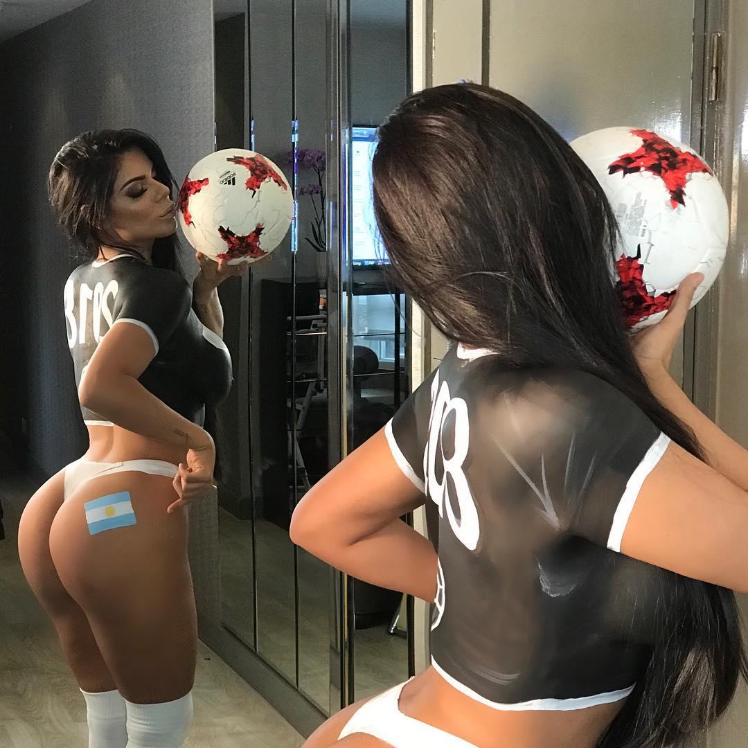 Falta 1 dia para o  início da @FIFAWorldCup Rússia ???????? 2018.  #WorldCup #ARG⚽???? https://t.co/TGCcHFnbsE