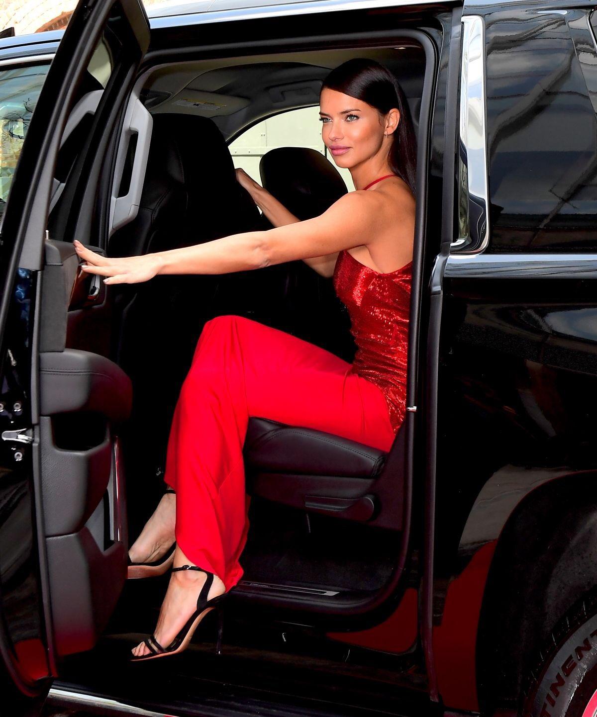 Happy birthday Queen Adriana Lima