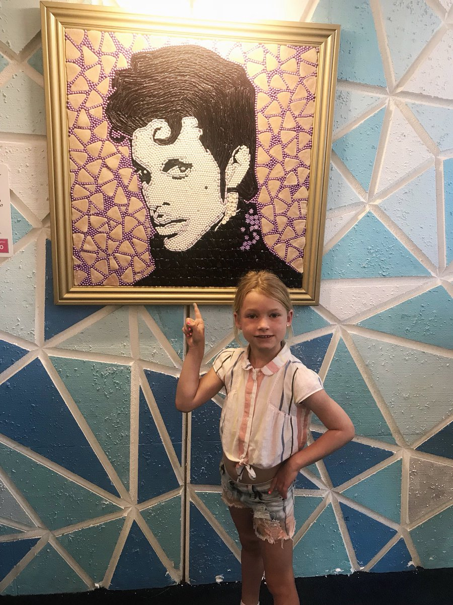 """Mommy I saw The Prince"" ???? #MAXIDREW ???? https://t.co/6iIC5LPpmS"