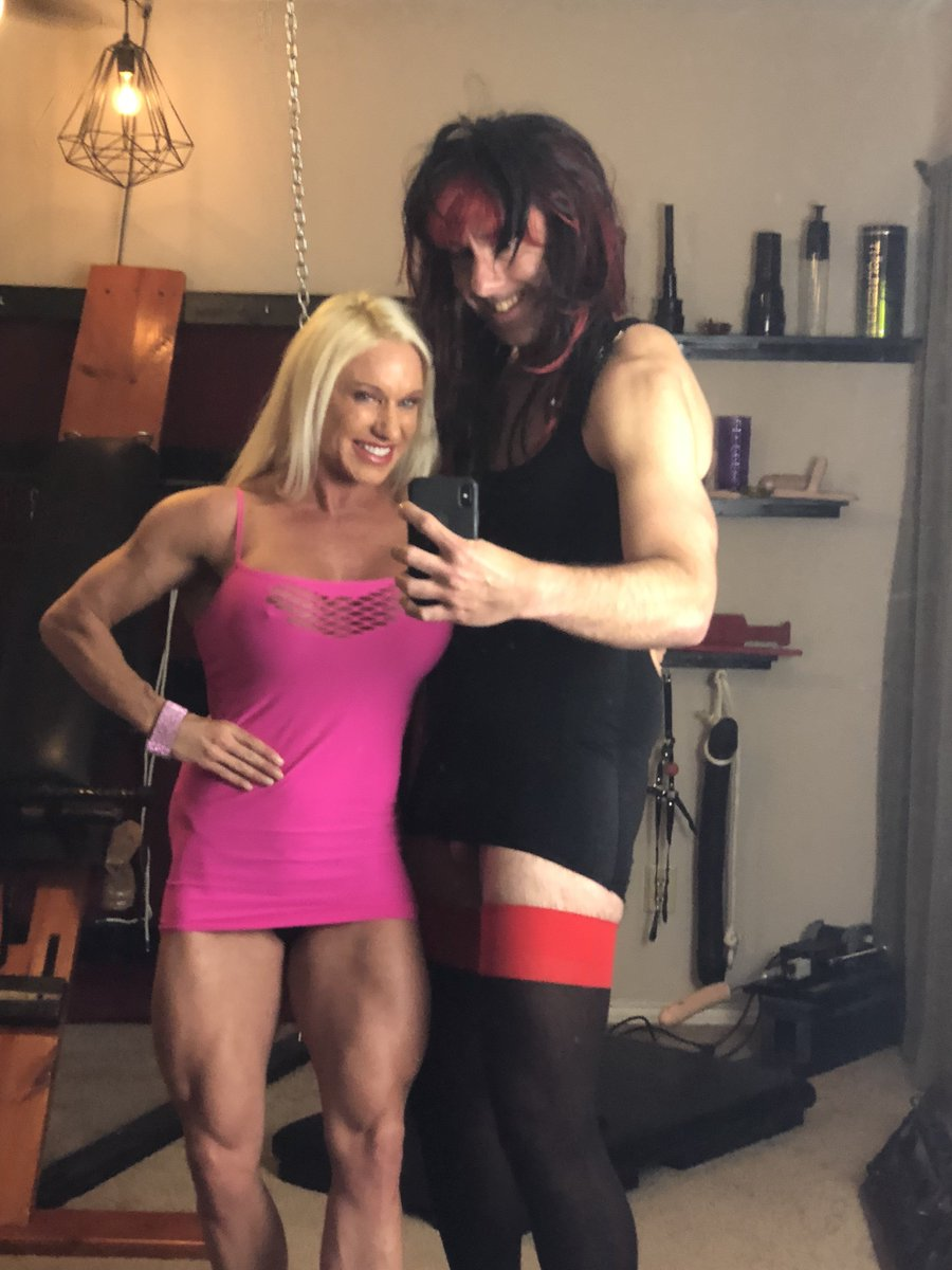 More muscle pics with My kinky pet yesterday! I love choking out My victims with My strong clenches!