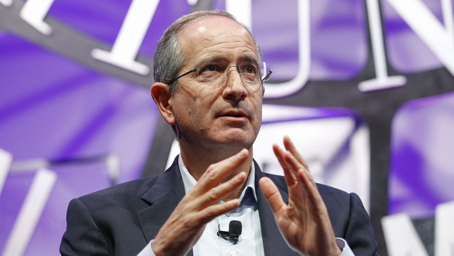 Comcast unveils $65 billion all-cash bid for Fox, topping Walt Disney's offer