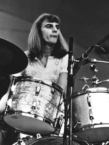 Happy Birthday Alan White! Alan turns 69 today! 2ManyMore!