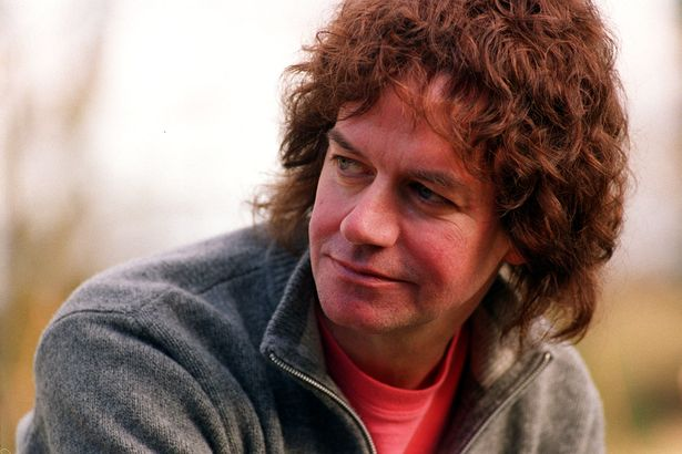 A very Happy Birthday to Jim Lea, who turns 69 today.... Keep on Rockin\