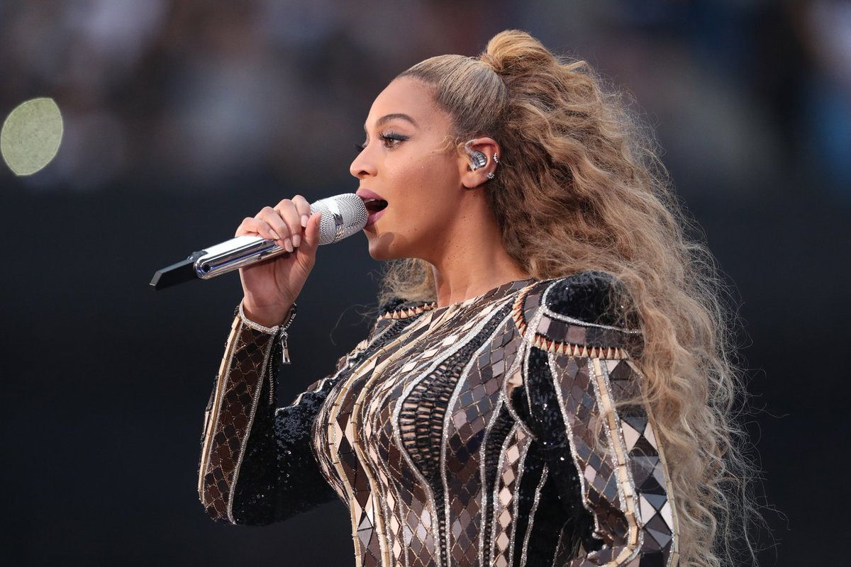 QUEEN B, Last night @Beyonce wore a #BALMAINRE19 opening look onstage during her #OTRII tour #BALMAINARMY https://t.co/Fbjym7rsiP
