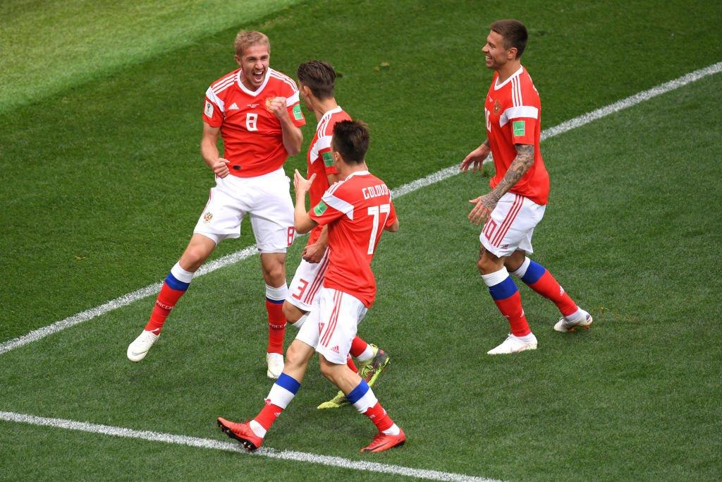 ⚽⚽ ¡GOOOL! ⚽⚽ Rusia anota el primer gol del Mundial  https://t.co/up0FybEfAd https://t.co/NzaLh0w9lV