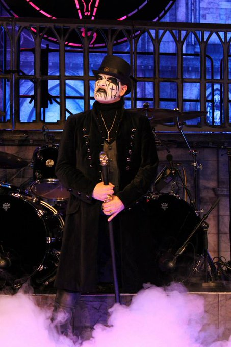 Há 62 anos, nascia o lendário King Diamond!!   Happy Birthday King!!