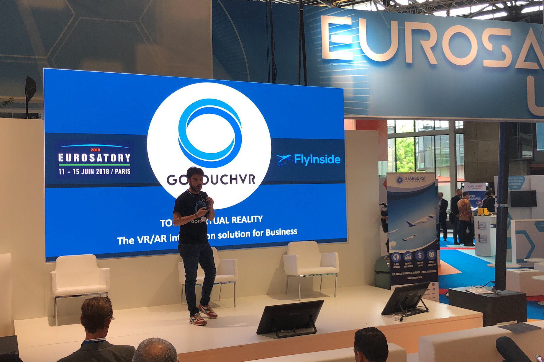 Our pre-sales engineer @lelesaby talking about our recent collaboration with @FlyInsideFSX to develop a flight simulator in #VR. Our technology based on #haptics made it real, easy to learn, and effective. #Eurosatory2018 https://t.co/RC4bCGqouS