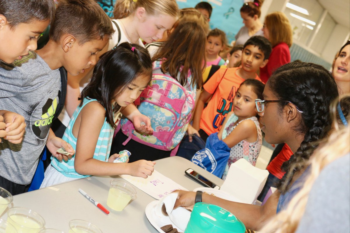 "test Twitter Media - Generous Summer School Service Learning class w/ L. Kurtz hosts bake sale for ""Fear? Not!"" fundraiser to help kids & families facing medical crisis. #d30learns https://t.co/wjOdD423uE … https://t.co/0VdIjRfLUL"