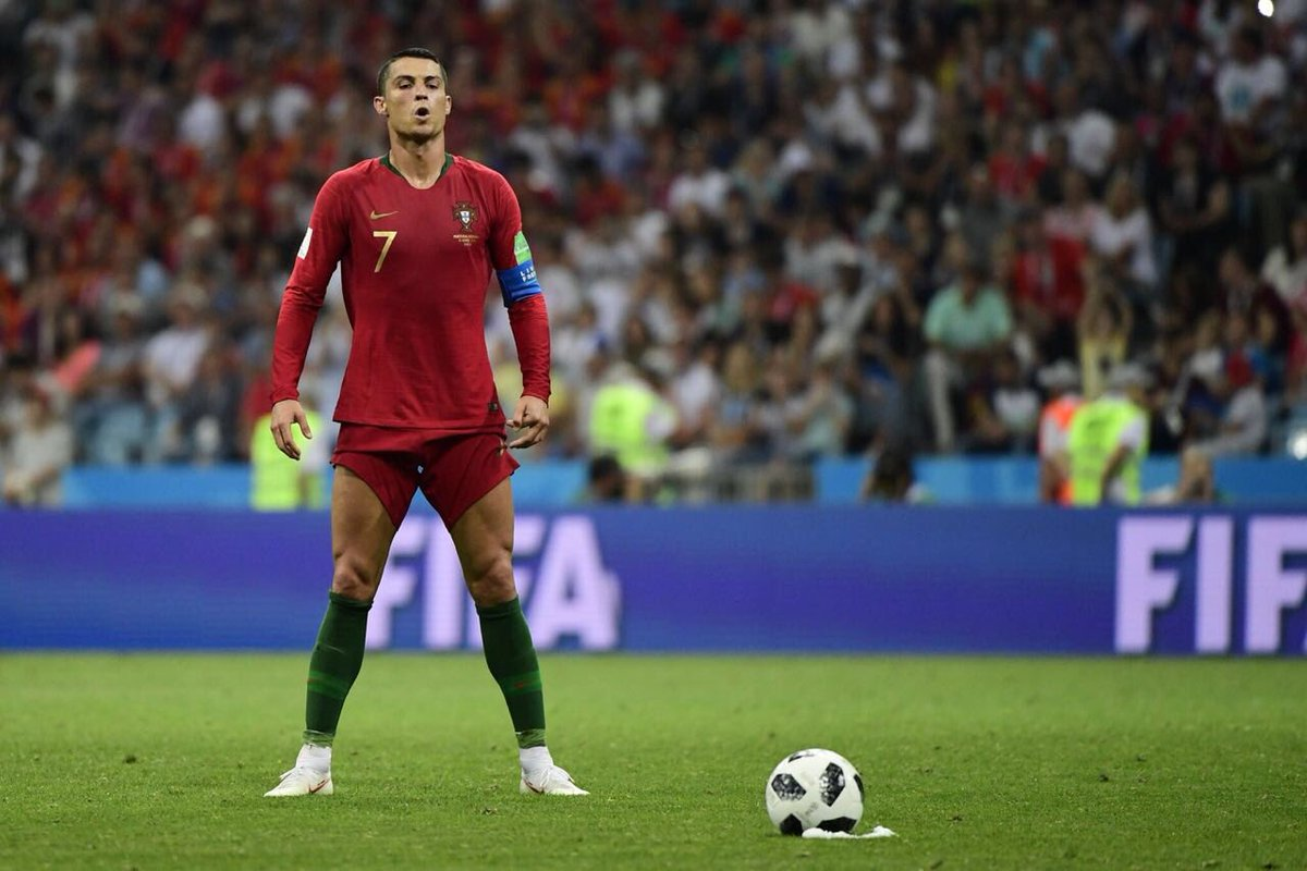 @Cristiano you stunner! What an amazing hattrick ⚽⚽⚽👏👏👏 #PORSPA #PortugalEspana #FIFAWC2018 #FIFA18 https://t.co/G2zyIW9raQ