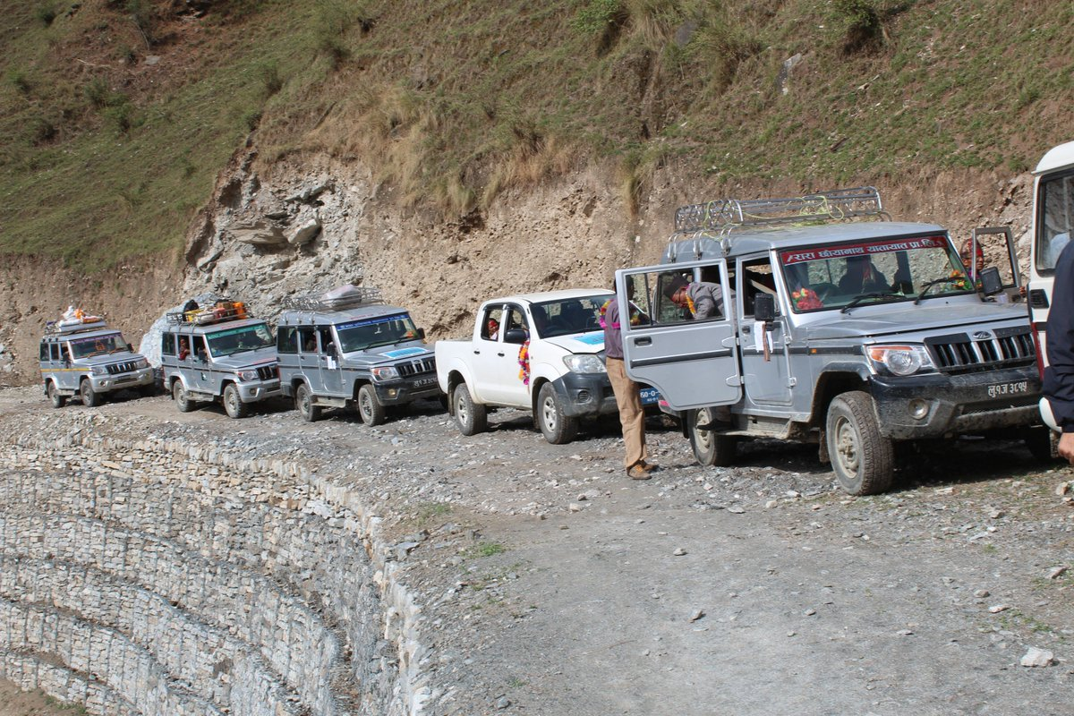 test Twitter Media - चार पाङ्ग्रे गाडी गुडाउँदै गमगढी ग्रिलाह सडक परिक्षण https://t.co/vMbs34vgeQ https://t.co/OmGaWV884l