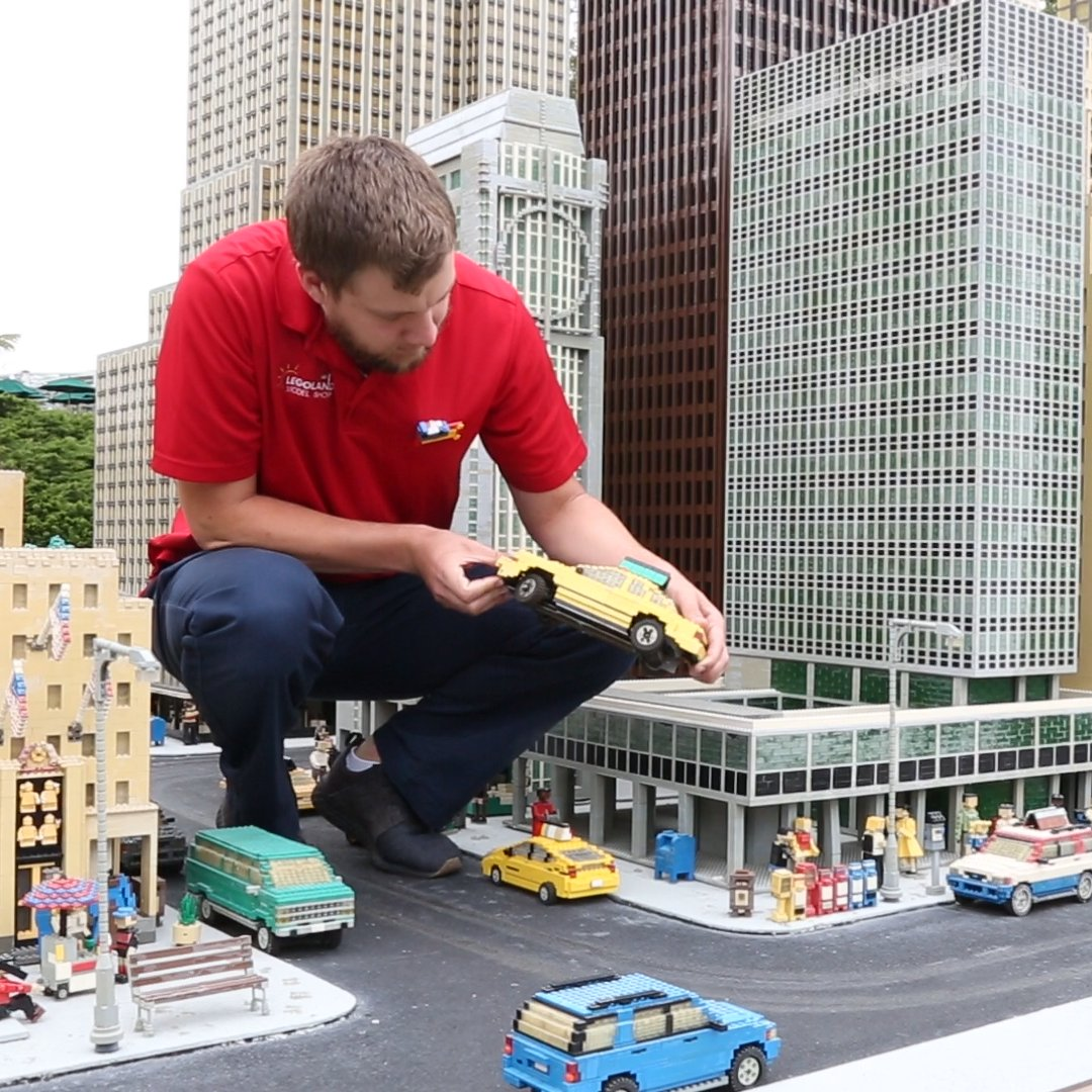 This replica of the Big Apple is made of over 2 million LEGO bricks https://t.co/e4DWScp4QN