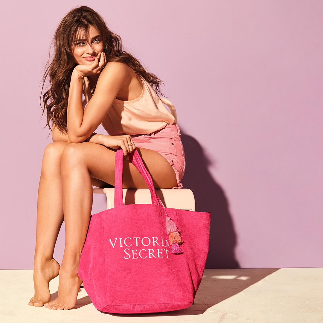 Going places: FREE tote when you spend $60 on beauty! Ends 7.4. ????????????????only. https://t.co/aAi49oCyFq https://t.co/e27VnQdXh5