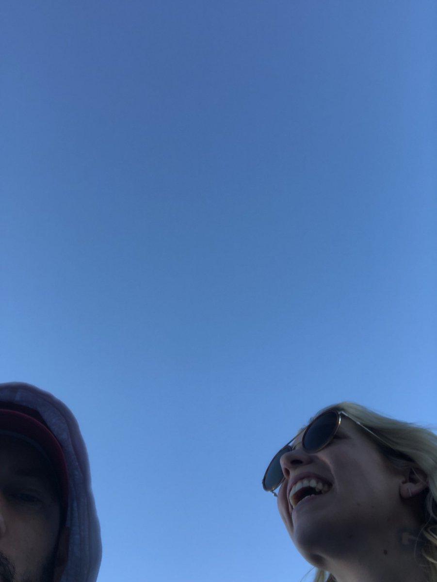 Me and @skylargrey ready for Oslo. What's so funny Skylar?#selfie???? https://t.co/qAKXfoEbk1