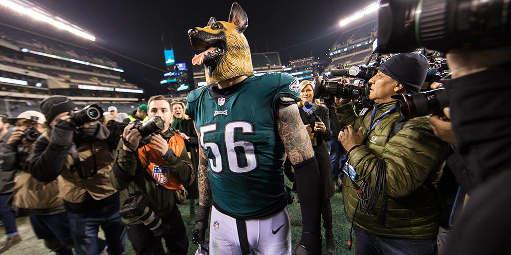 Masks off. ��  The @Eagles know they aren't the underdog anymore: https://t.co/KR8GFVe2hU https://t.co/QYXS3yOUSI