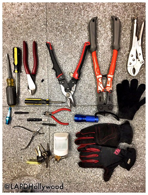 test Twitter Media - Catching a thief in the act is difficult, but your @LAPDHollywood officers strive to protect #Hollywood residents/visitor's property every day. Great police work & observational skills led to two suspects arrested for Vehicle Tampering & Possession of Burglary Tools.  🚔 https://t.co/i9JxBaucYk