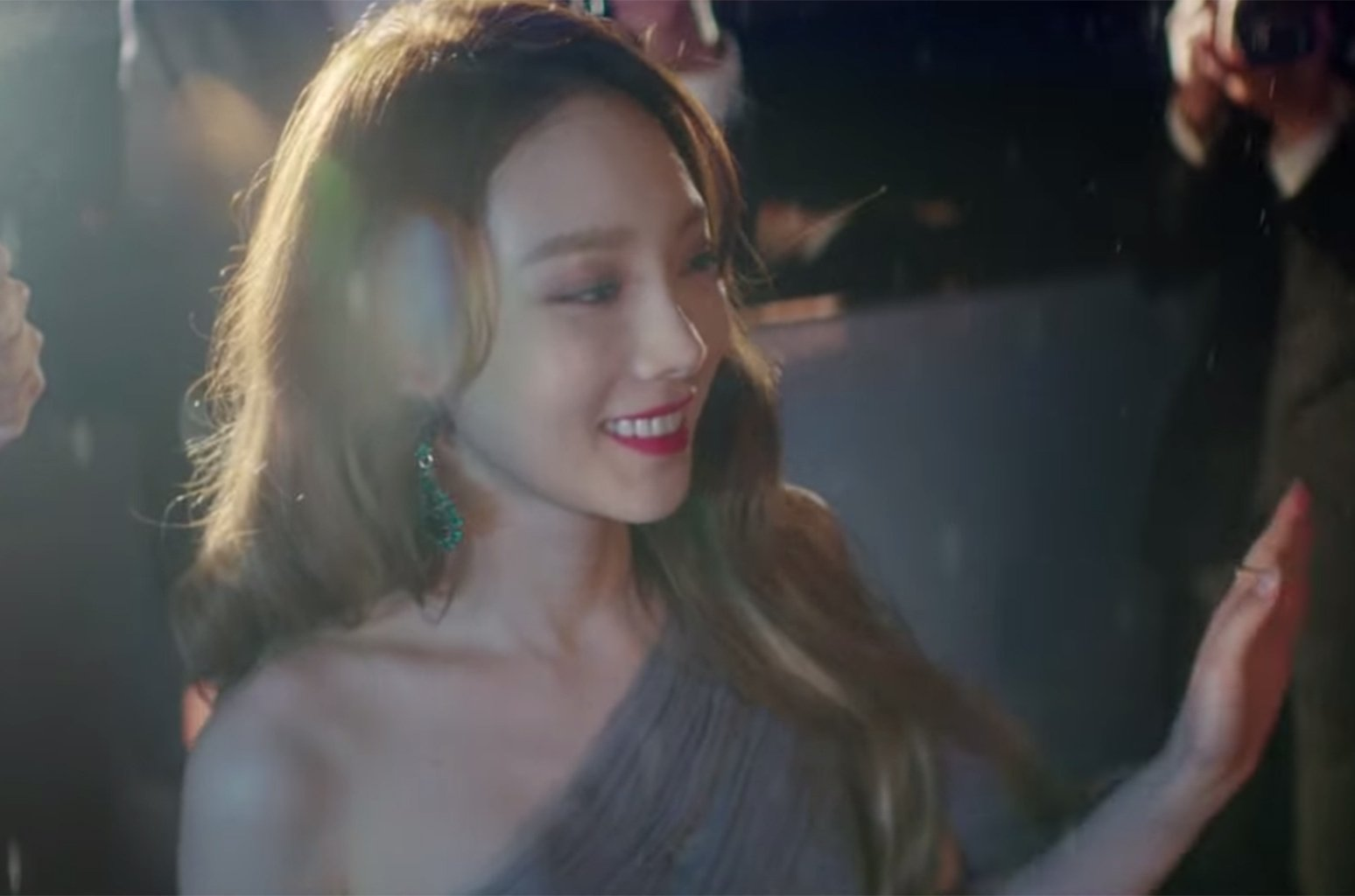 Taeyeon takes out her enemies  in the music video for 'Something New' https://t.co/etajm0Mw9a https://t.co/XxbgxDeSUq
