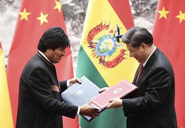 @BroadcastImagem: Evo Morales e Xi Jinping assinam acordo de parceria estratégica em Pequim. Greg Baker/AP