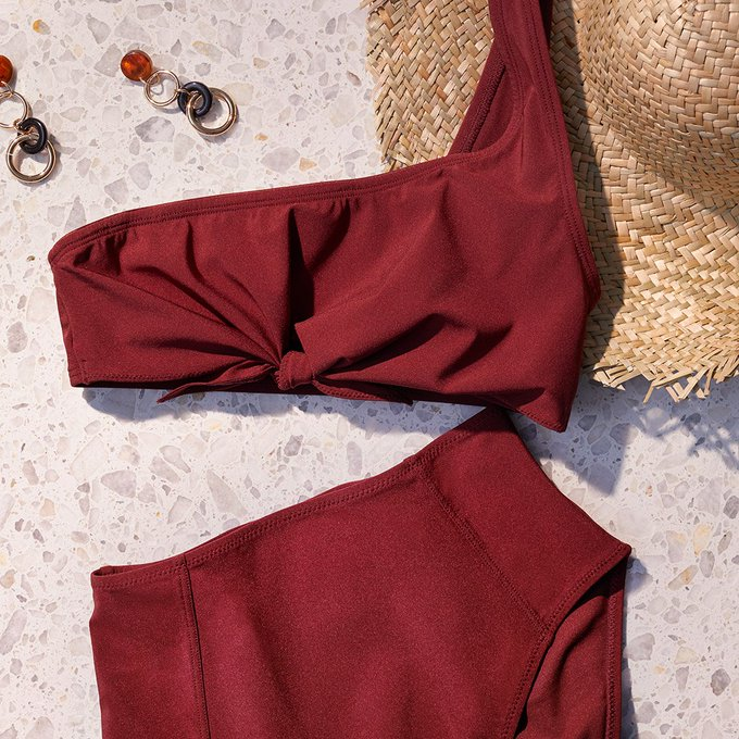 Show off your inner retro queen — turn to high waist bikinis! #HM https://t.co/OVsSgW5dVT