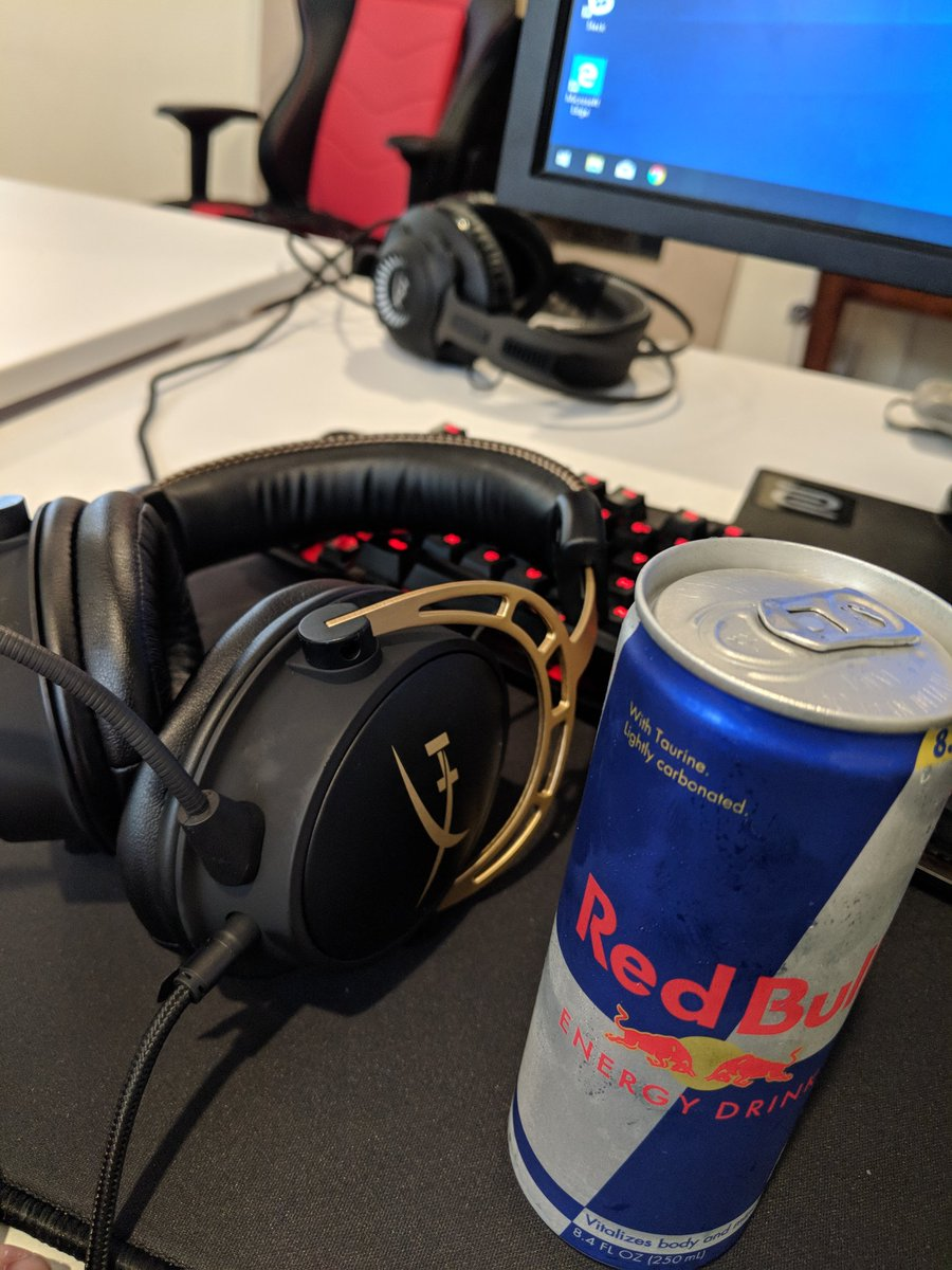 Good morning ive got everything I need lets get this bootcamp grind going #C9WIN @redbullesports @HyperX https://t.co/b1P08hlJtf