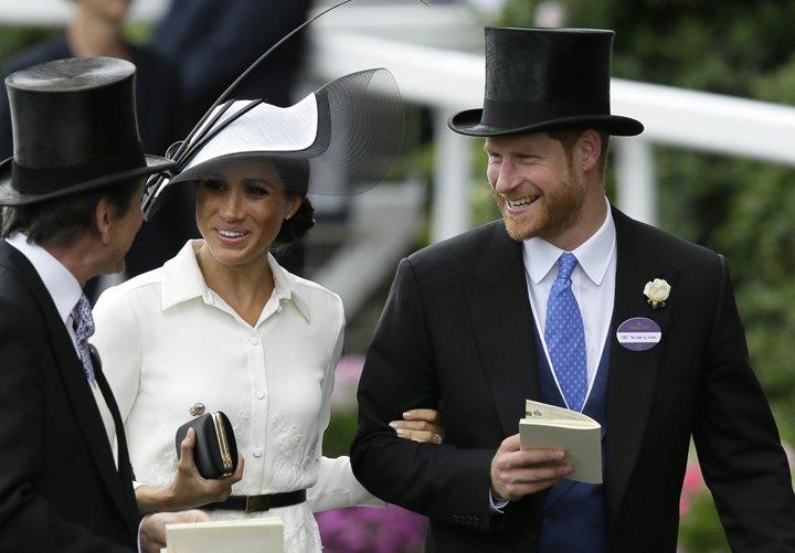 @BroadcastImagem: Meghan e Harry prestigiam a Royal Ascot, tradicional corrida de cavalos do Reino Unido. Tim Ireland/AP