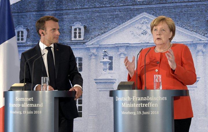 @BroadcastImagem: Merkel e Macron se unem por orçamento comum do euro e combate à imigração ilegal. Jens Meyer/AP