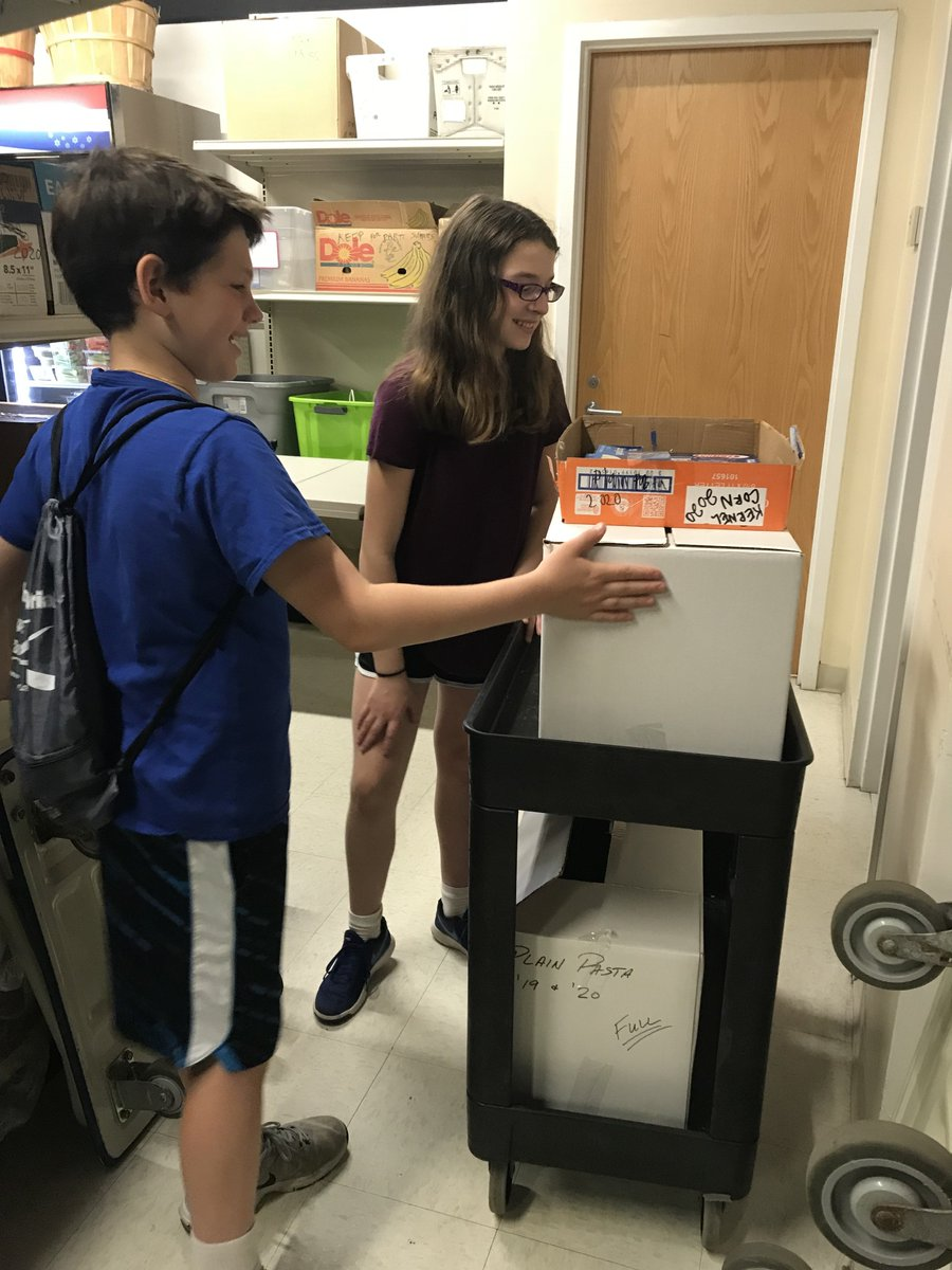 """test Twitter Media - Caring kids count! Leora Kurtz's Service Learning Summer School class volunteered at Northfield Township Food Pantry on 6/18. The course was designed for students who want to be involved in their communities. Other activities on """"giving back"""" will be featured! #d30learns https://t.co/B80hU2XZX7"""