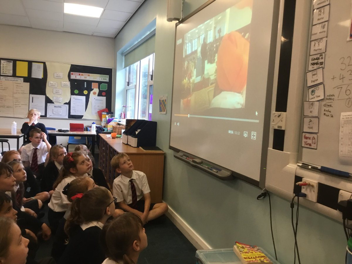"""test Twitter Media - Using an online clip to learn about the Guru Granth Sahib. """"It is useful using a film because we can hear about Sikhism from someone who practices it."""" #gorseycomputing #gorseyre https://t.co/TdpP0gJOdC"""