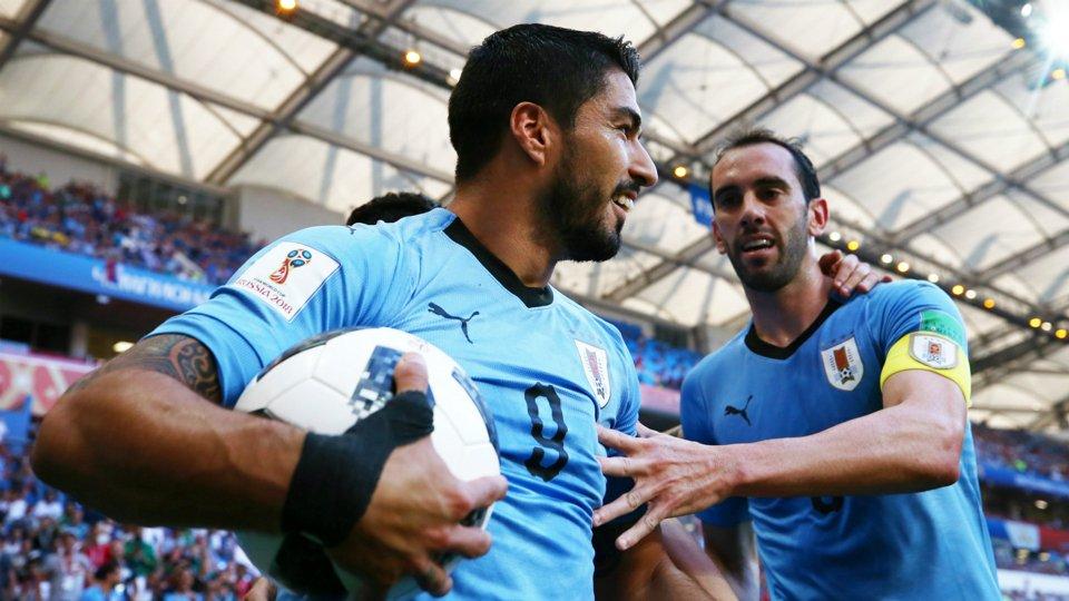 RT @GOAL_ID: HT:  Uruguay 1-0 Arab Saudi - https://t.co/CoaOvDdEpn #MatchdayGoal https://t.co/qvZ1Qr78UG