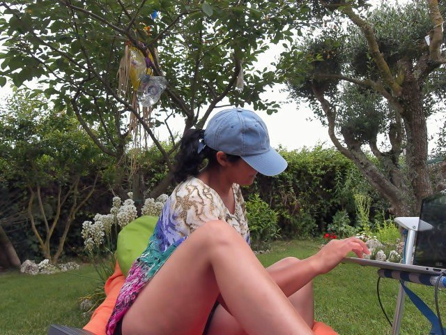 right now at aZziRhf9y1 #camgirl viva #portugal CNE