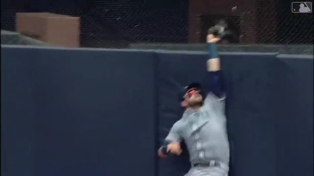 BAH GAWD THAT'S @M_Hanny17's MUSIC. https://t.co/ArMiceNOEq